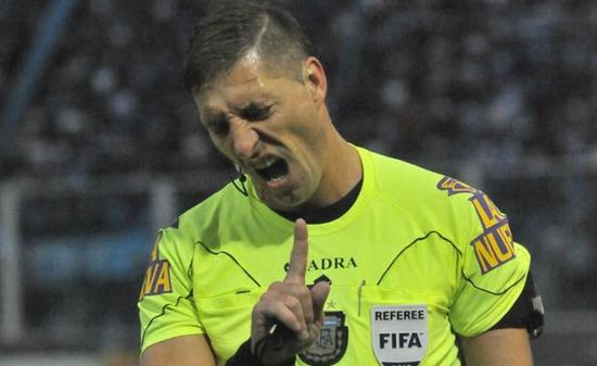 Arbitro que va al mundial de brasil Néstor Pitana (Argentina)