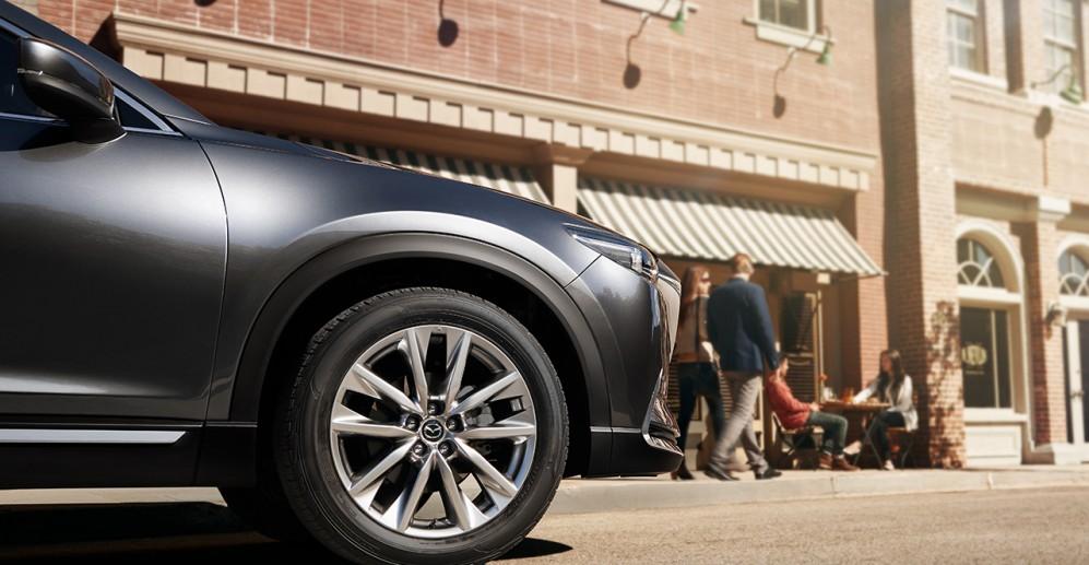 Vista de Mazda CX9 en exterior
