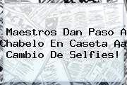 Maestros Dan Paso A <b>Chabelo</b> En Caseta ¡a Cambio De Selfies!